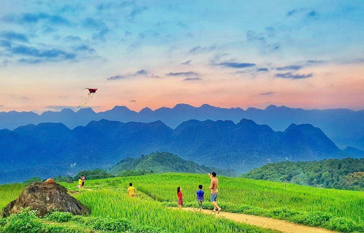 Tour Pù Luông Mai Châu Mộc Châu 3 ngày 2 đêm – Tây Tây Bắc